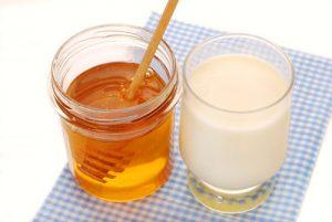 honey-milk-mask